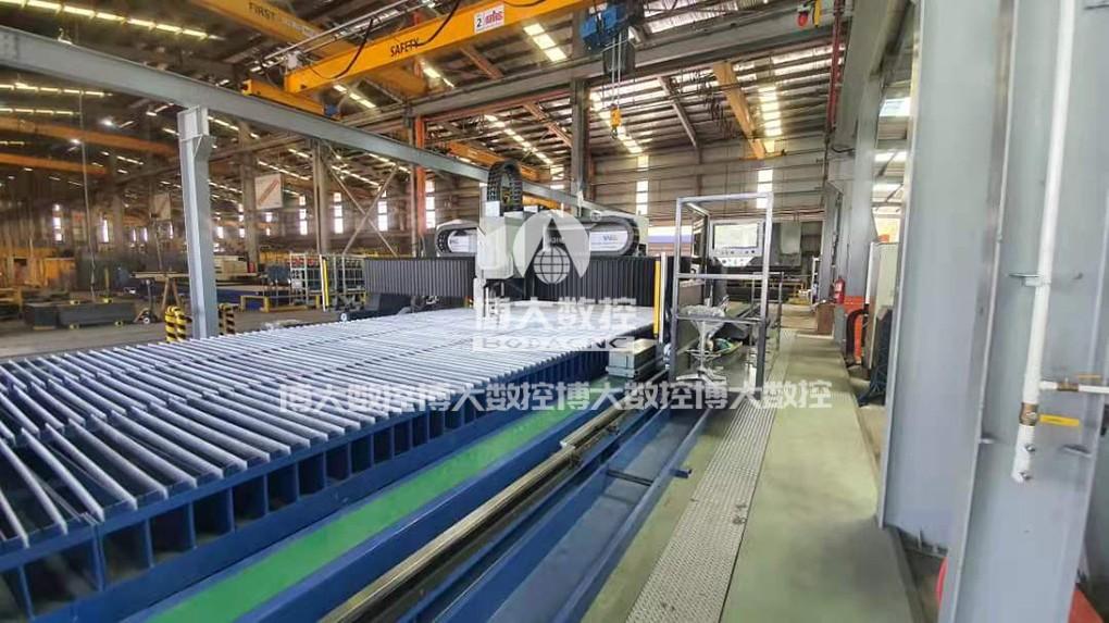 马来大型工程机械行业